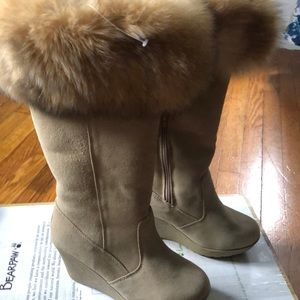 Bear paw  Faux fur trimmed boots